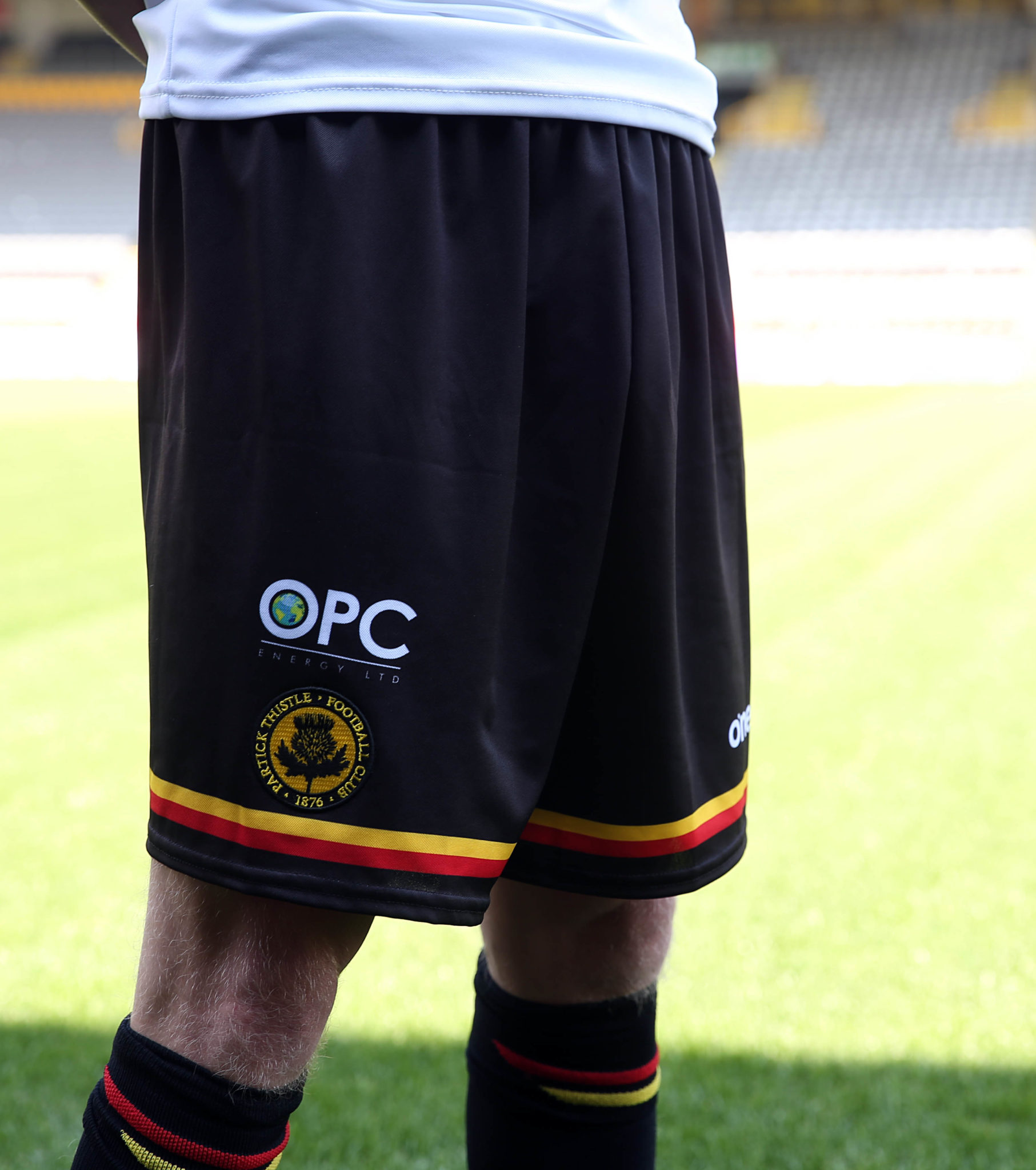 Partick Thistle away shorts and socks